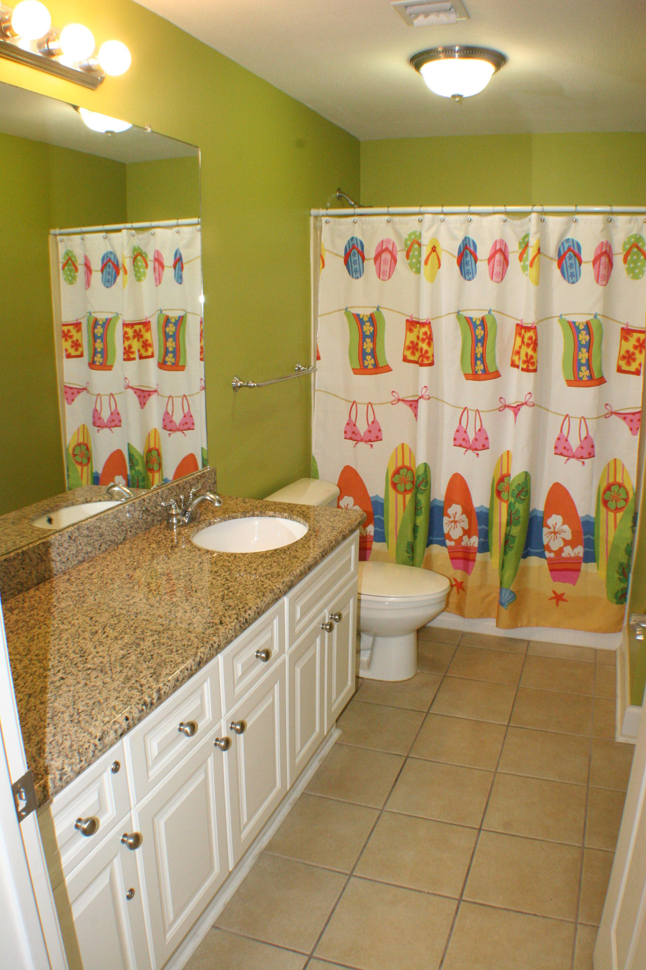 Hallway Bathroom at Gulf Shores Condo Rental